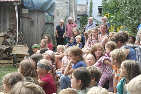 Sommerfest 2013. Junge Zuschauer.