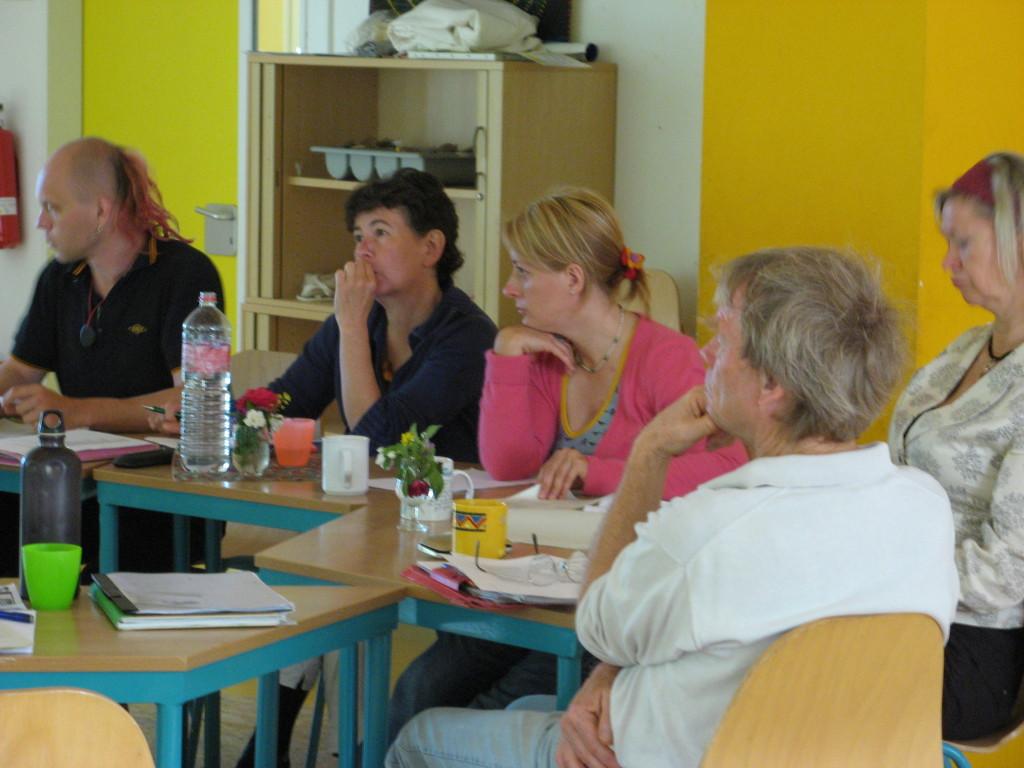 Gemeinsames Kennenlern- und Arbeitswochenende in den Räumen der Freien Schule Potsdam.